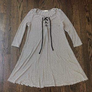 Cherish — NWOT Black and White Dress with Lace Up